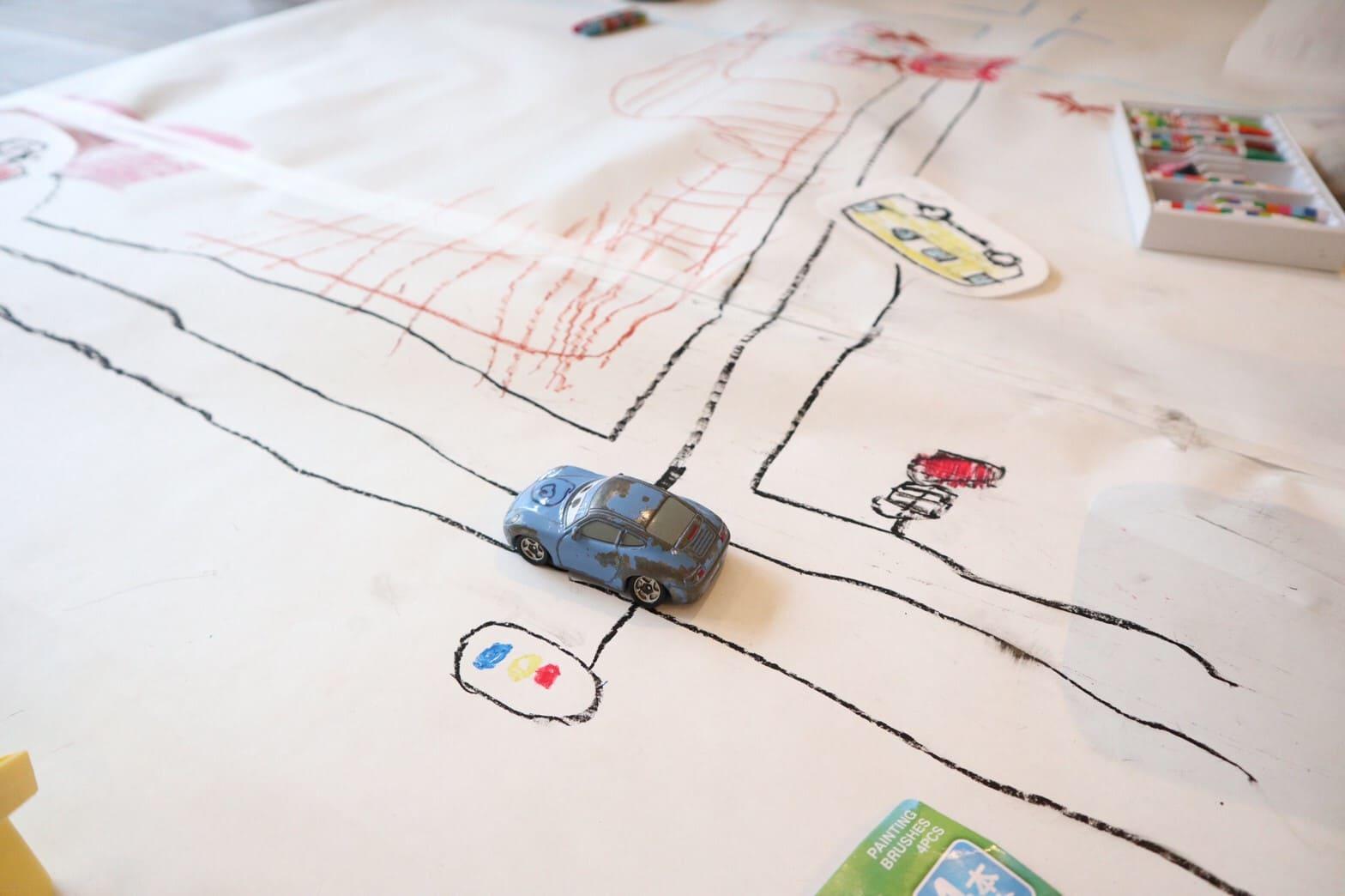 おおきな模造紙に街を描く!工作イベントを開催した話